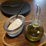 バンケッティ - バターとオリーブオイル
