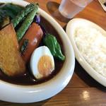 カレーリーフ - 料理写真:限定夏野菜カレースリランカ風(1,250円)
