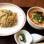 海月食堂 - 担々麺セット