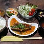 カフェTomato - お魚ランチ 980円 (撮影した日は、鯵の甘酢あんかけでした。)