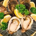 <岩牡蠣の3種食べ比べ…1,900円~>