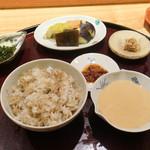 日本料理 太月 - 牛しぐれ、やまいも、うめ、香の物
