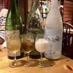 地酒・海鮮居酒屋 灯 - 果実酒利き酒セット3種980円白ワイン梅酒・緑茶梅酒・ヨーグルト酒