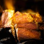 燃える 牛サーロインのボルケーノステーキ