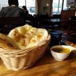 ウェルカムネパールレストラン - カレーとナンでステキなモーニング