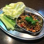 タイ東北モーラム酒店 - ポンヘッ