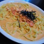 Jパスタ - ウニとサーモンのクリームソース・フェットチーネ