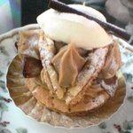 コム・アン・プロヴァンス - 栗系のケーキ。名前忘れました。すみません。