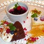IL PINOLO 銀座 - ランチでは3種類のケーキからチョイス。どれも美味。
