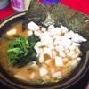 王道家 - 料理写真:ラーメン&玉ねぎ(680円+50円)