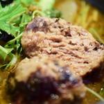 札幌ドミニカ - 【特選野菜カリー+ハンバーグ@税込1,400円】ハンバーグの断面
