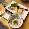 三進 - 料理写真:あゆ塩焼きとまぐろ山かけ定食1,080円