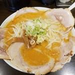 らーめん 太閤 - 味噌チャーシューメン(大盛り)