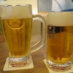 90006932 - 生ビール 中ジョッキ 896円