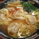 広州市場 - 黒豚雲呑麺