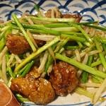 地鶏割烹 稲垣 - 白レバーとニンニク芽のソテー