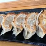 自家製麺しゅん作 - 大振りな餃子