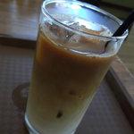 ディンギー - カフェオレは400円でした。