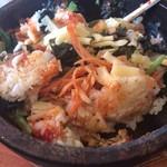 韓国料理 どやじ - お焦げが美味しい熱々の石焼ビビンパ