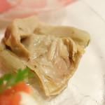 ラ・コメータ - 前菜盛り合わせ 1,400円(アーティチョークのマリネ)