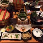 関サービスエリア(上り線)レストラン「かごの屋」 - メニュー写真より立派!
