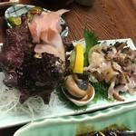 石松 - 料理写真:さざえの刺身