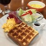わらうかど - 料理写真:ワッフルトーストランチセット