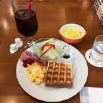 わらうかど - ワッフルトーストランチセット