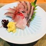 美食料理 つくし - シマアジのお刺身。
