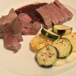 マダムシュリンプ - マダムシュリンプ(東京都中央区銀座)仙台和牛フィレ肉のステーキとランプ肉ステーキのハーフ&ハーフ 4,580円
