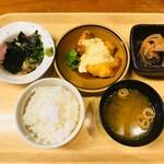博多ほたる - 胡麻かんぱちとチキン南蛮定食(1,350円)