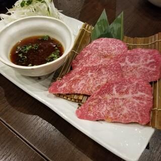 肉小僧 匠 - 香味野菜とおろしポン酢の奇跡の牛焼き