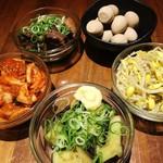 90029043 - もやしナムル  ・白菜キムチ ・ナスの揚げ浸し ・うずらのうま煮
