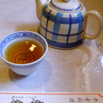 Rairai - ランチタイムにまずはお茶