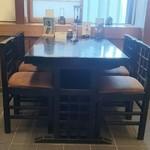 蕎麦・料理 籔半 - 内観 テーブル席