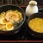 らーめん よし坊 - 料理写真:つけ麺醤油830円
