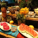 IRITIIDA - 夕食(果物コーナー)
