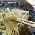 ドライブインサザエ - 麺アップ