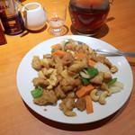 南国亭 - 鶏肉とカシューの炒め