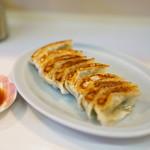 餃子飯店 - 料理写真:餃子