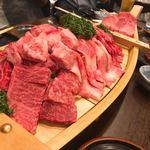 90041793 - ③豪華肉の船盛り登場