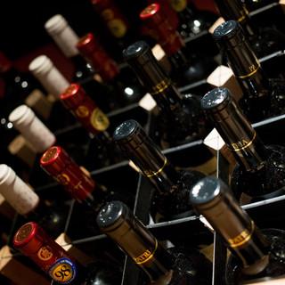 イタリア産・オーストラリア産のワインを<20種類>愉しめる