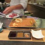 鉄板焼 りんどう - タレ類3種とピンク塩