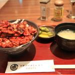 ドライブインいとう豚丼名人 - 料理写真:肉盛り 豚丼