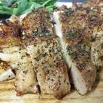 肉バル×モダン個室 バンビーナ - 若鶏のカリカリ香草グリル焼き