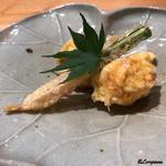 日本料理 e. - 玉蜀黍と水前寺海苔、谷中生姜の天ぷら