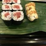 岩佐寿し - 鉄火巻きと穴子。普通に美味しい(^。^)
