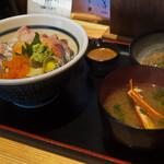 Kaisenyakaishimmaru - 海進丸丼900円