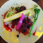 クッチーナ ラトリエ - 牛ヘレ肉と季節野菜のグリル、ブルーベリーソース