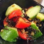 あずき色のマーカス - 砂丘キュウリとミニトマトの塩昆布和え♪
